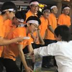 サンキョー、ホール従業員が「千葉県台風災害」支援で街頭募金を実施