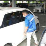 関西遊商、子どもの車内放置事故撲滅に向けパチンコ店駐車場で特別巡回を実施