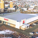 マルハン最新店舗は50%が加熱式タバコ喫煙可能エリアの巨艦店 『マルハン苫小牧駅前店』が3月27日グランドオープン